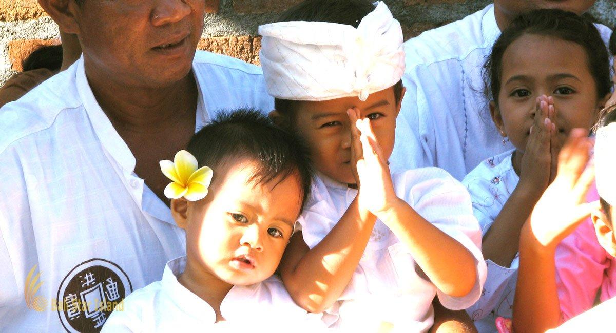 Balinese People Etiquette  Bali Hindu Cultures  Norms