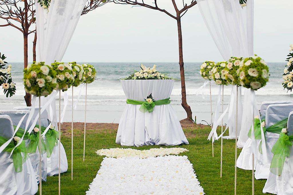 Seminyak resort wedding