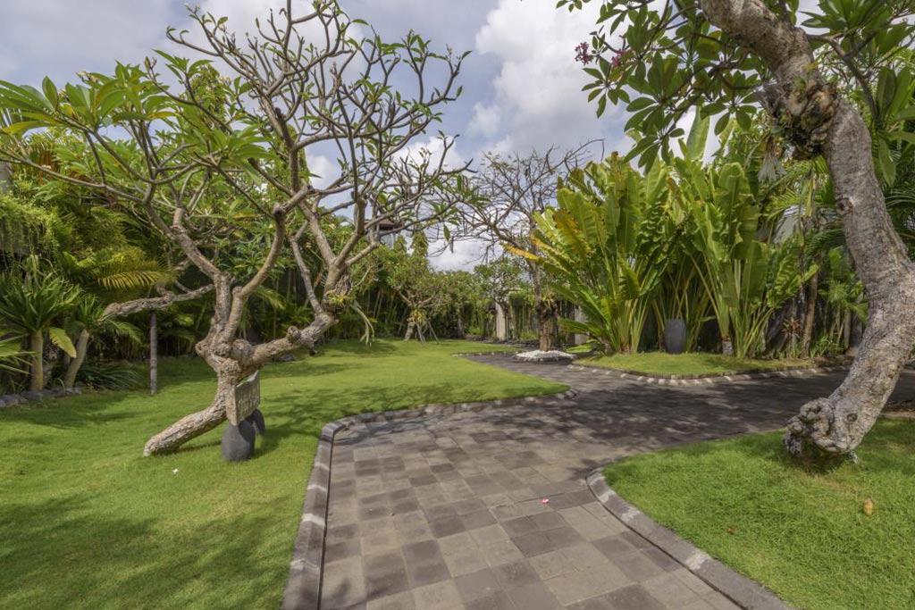 Garden The Wolas Villa Seminyak Bali Private Pool Villas
