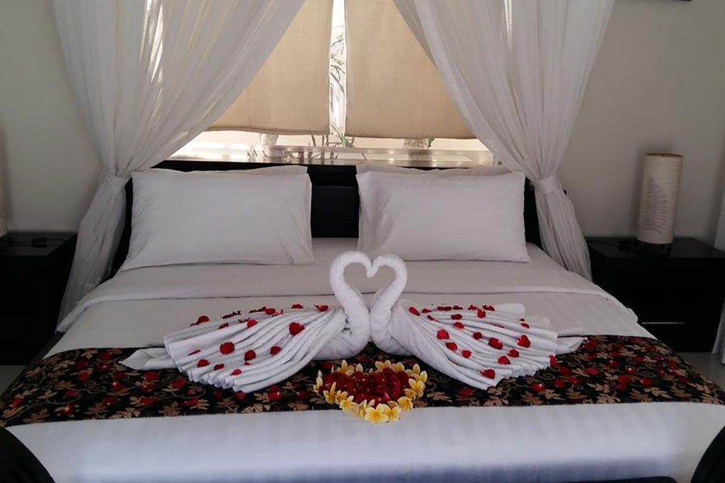 Honeymoon decoration the bidadari villas and spa bali for Decoration villa