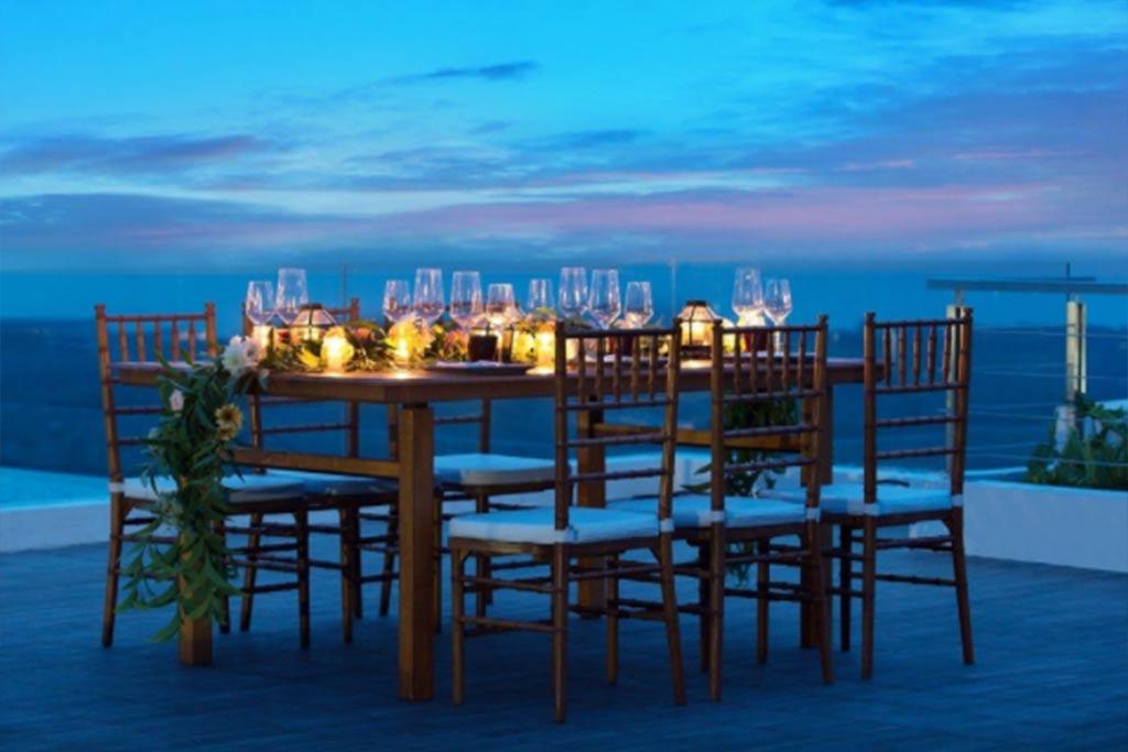 Renaissance Uluwatu Beautiful Dinner Bali Star Island